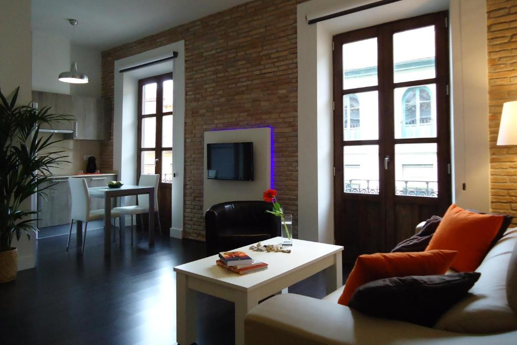 Apartamentos tur sticos mauror espa a granada for Licencia apartamento turistico madrid