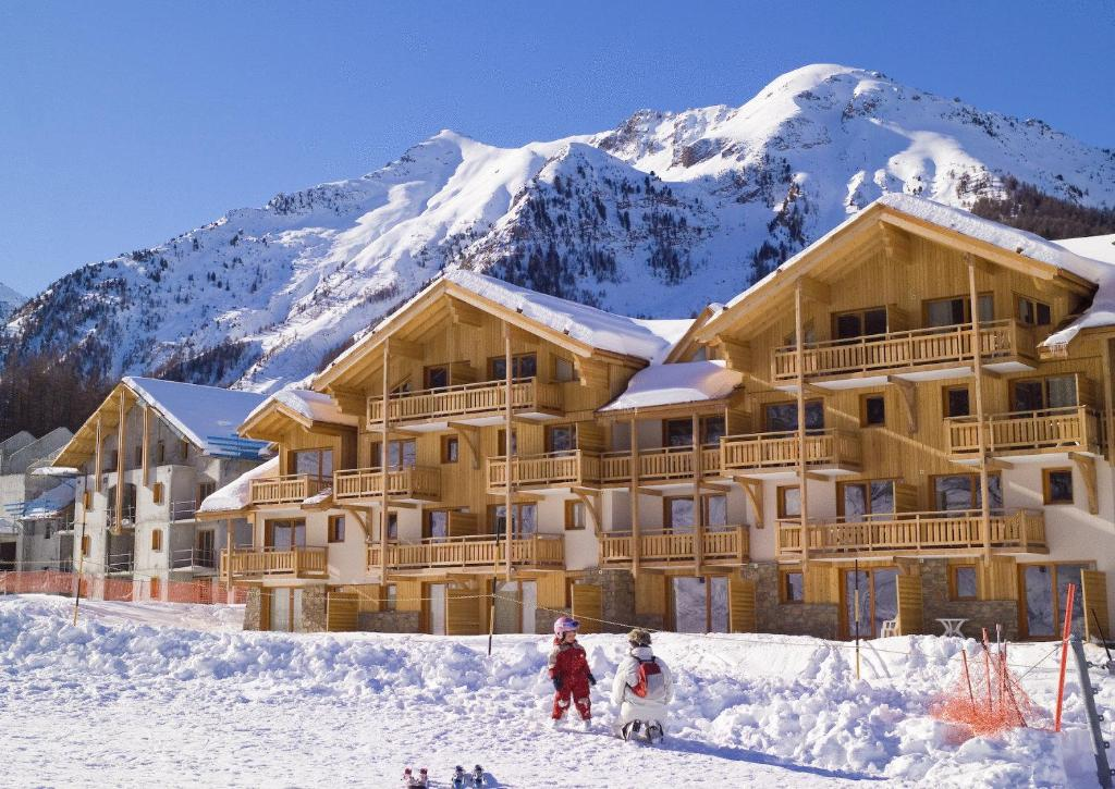 location appartement ski les orres 1800