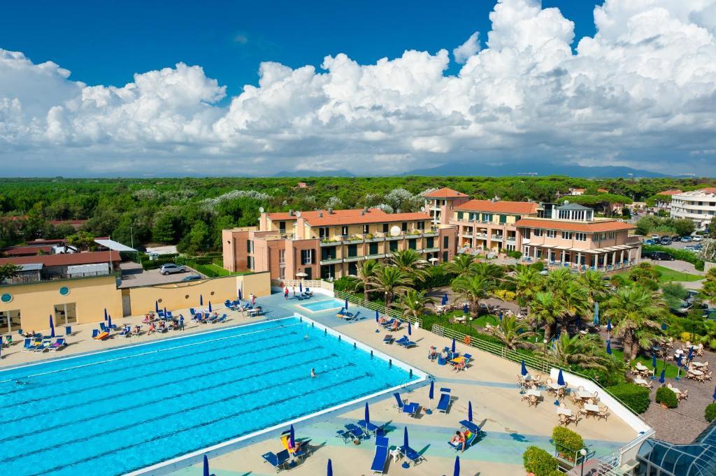 Continental resort tirrenia u prezzi aggiornati per il