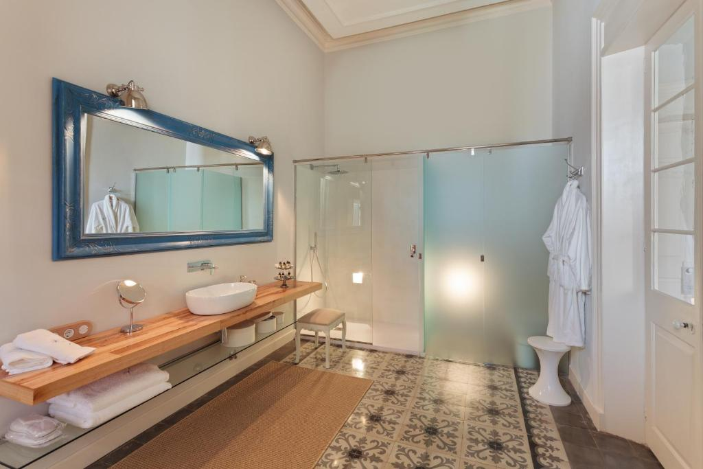 boutique hotels mahon  50