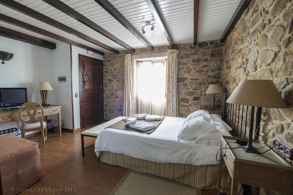boutique hotels camarinas  21