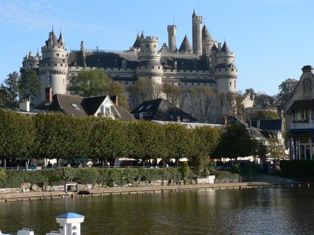 htel aux bls dor pierrefonds avec des avis bookingcom - Chateau De Pierrefonds Mariage