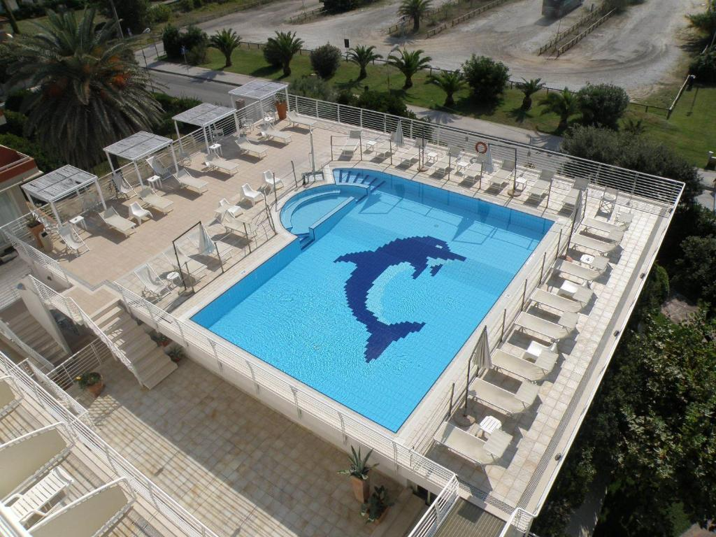 A view of the pool at Hotel Joseph or nearby