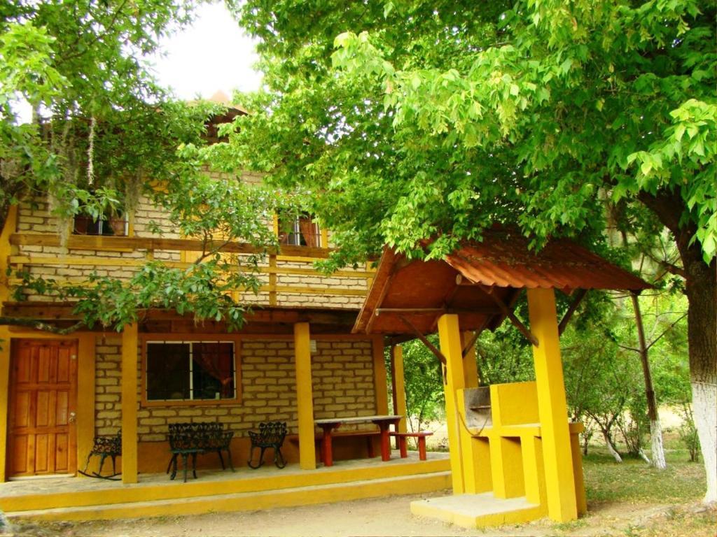 Caba as apple tree santiago mexico for Cabanas en mexico