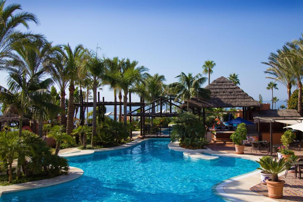 gran imagen de Bahía Beach Apartments Estepona