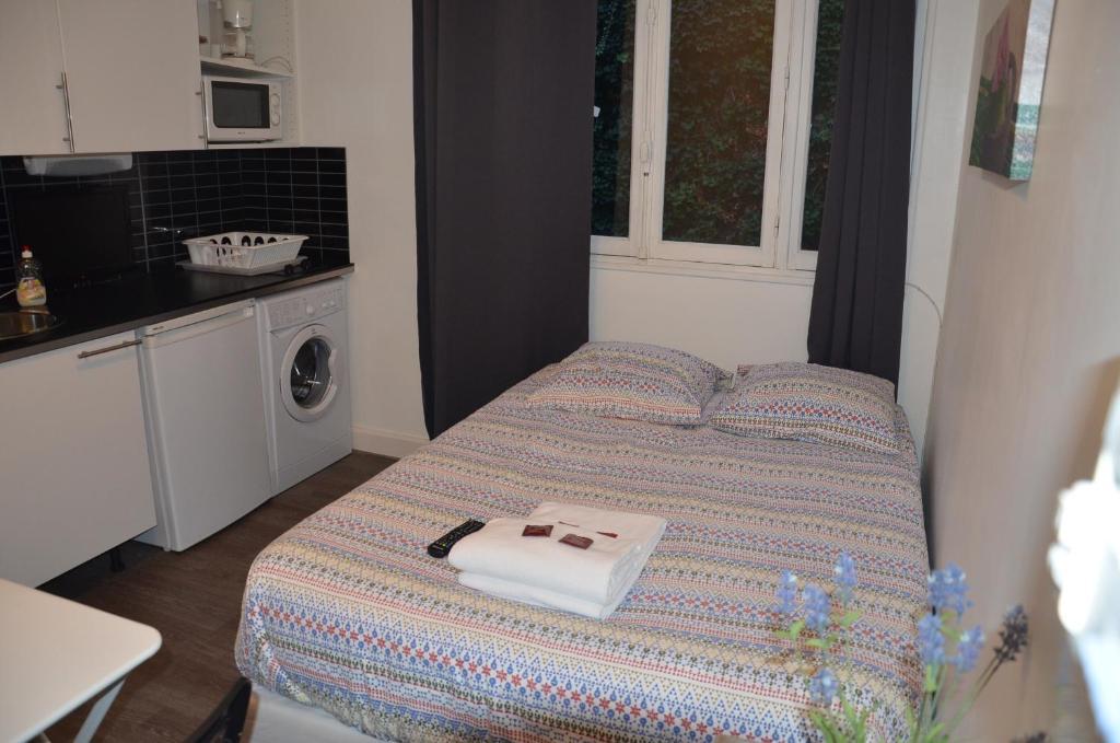 Hotel Studios Phenicio Porte De Versailles  Vanves