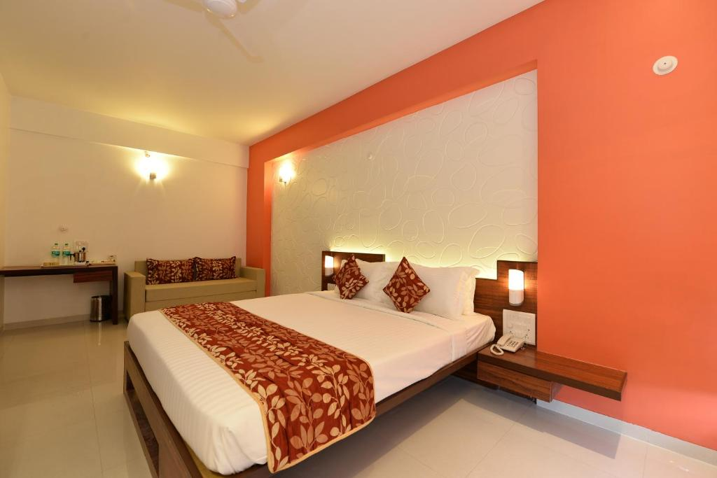 The Temple View Hotel Shirdi India Booking Com