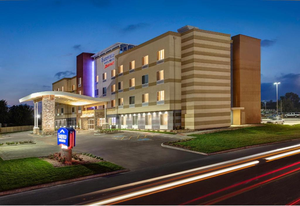 Fairfield Inn Suites By Marriott Columbus Airport