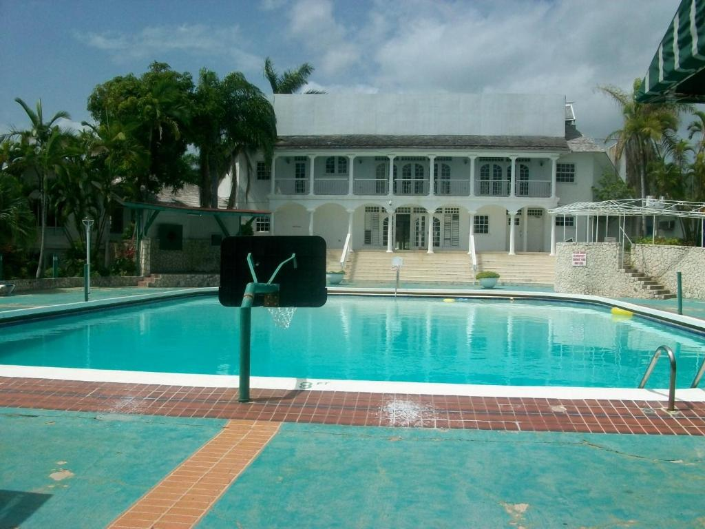 Apartments In Florence Hall Trelawny