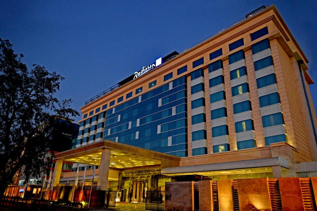 Radisson Blu Hotel Jaipur, India - Booking.com