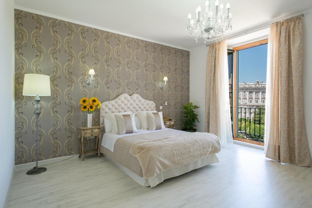 Hotel Moderno Madrid Booking