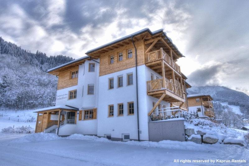 Residenz an der Burg by Kaprun Rentals during the winter