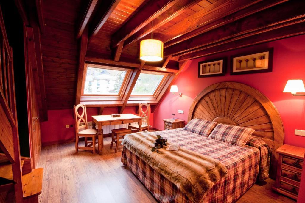 Gran Chalet Hotel Petit Spa Betren Spain Booking Com