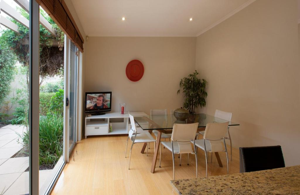 Vacation home boutique stays pier point melbourne for Boutique stays