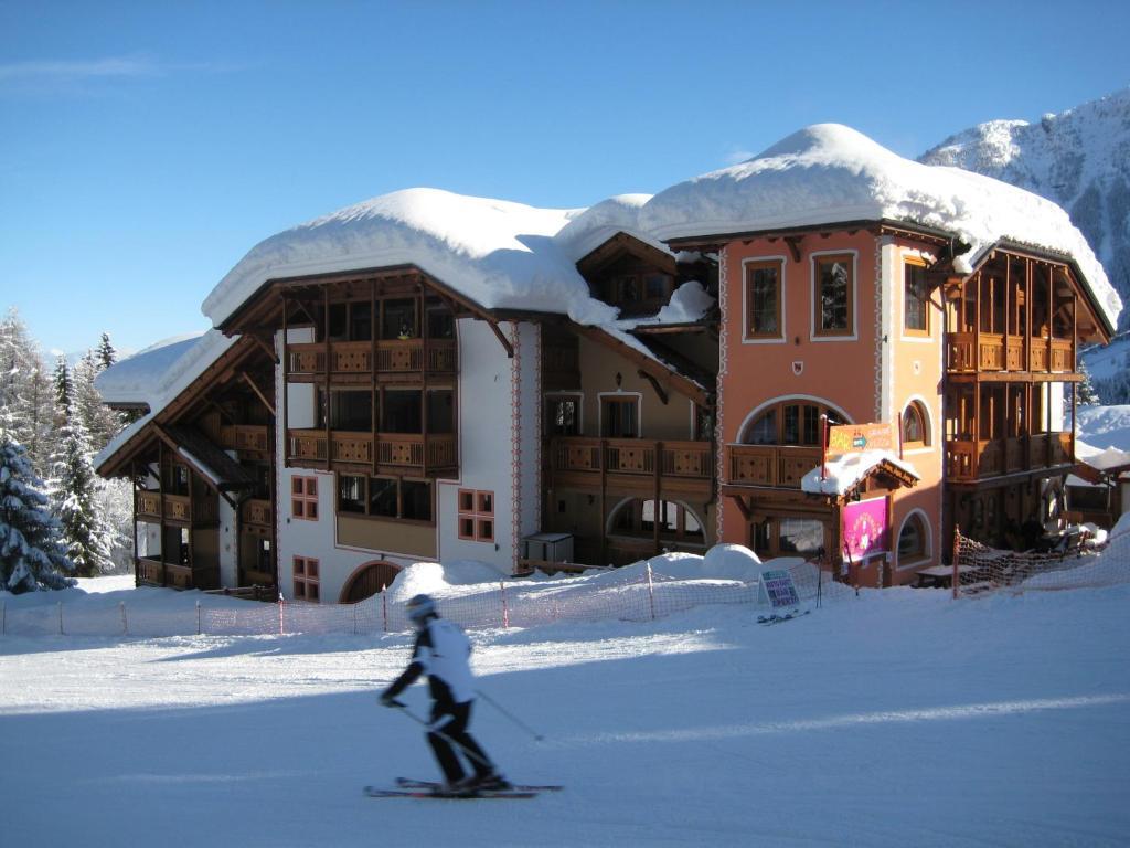Active Hotel Garni dal Bracconiere Folgarida Italy Bookingcom