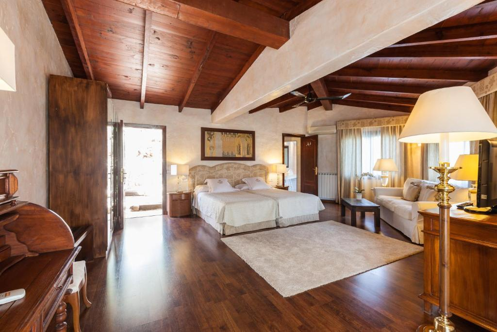 boutique hotels in sant miquel de balansat  81