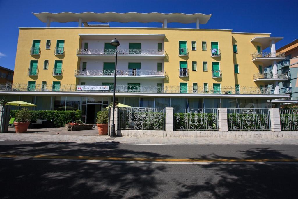 Hotel Holiday Park Bellaria Igea Marina Italy Booking Com