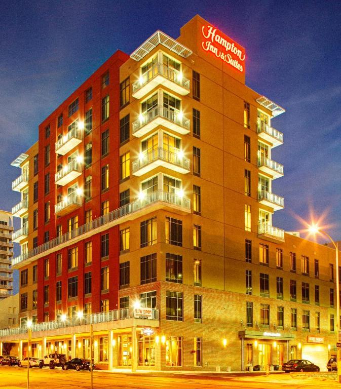 ハンプトン イン & スイーツ オースティン ユニバーシティ キャピトル(Hampton Inn and Suites Austin University Capitol)
