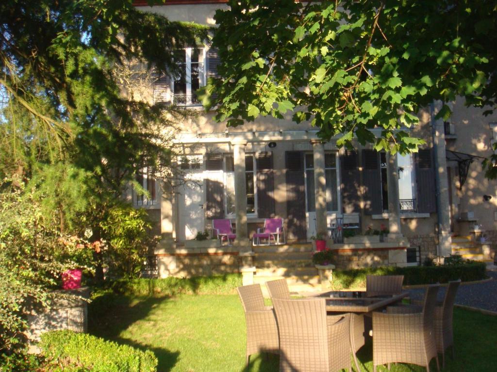 b&b / chambres d'hôtes côté parc-côté jardin (france nevers