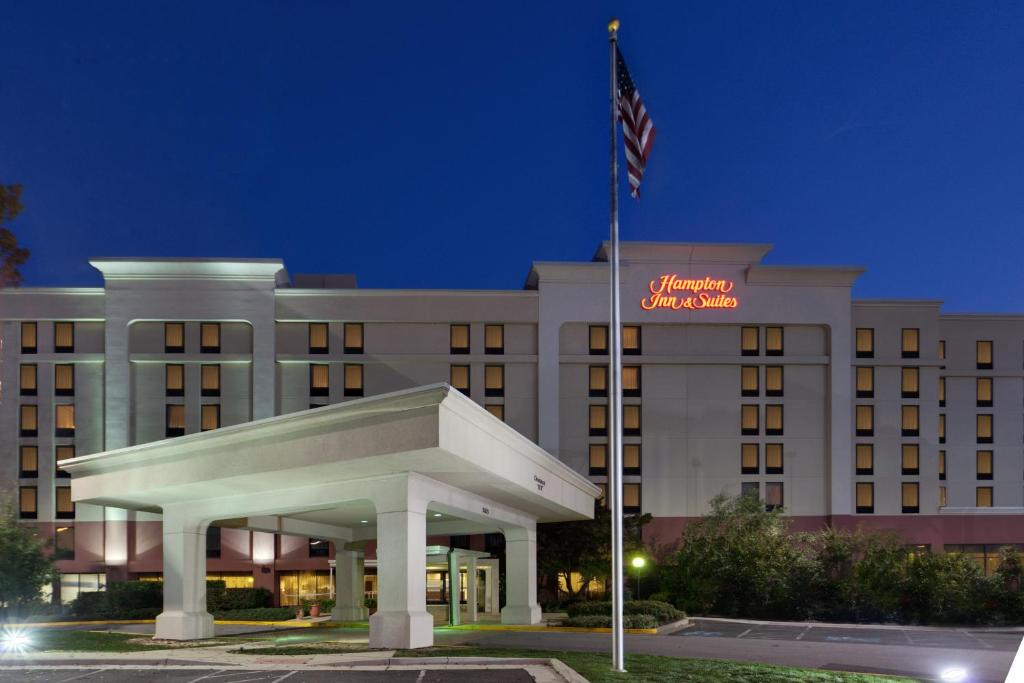 Hotel Hampton Alexandria Old Town South, VA - Booking.com