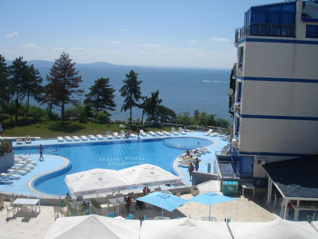 A view of the pool at Blue Bay Palace Apart Complex or nearby