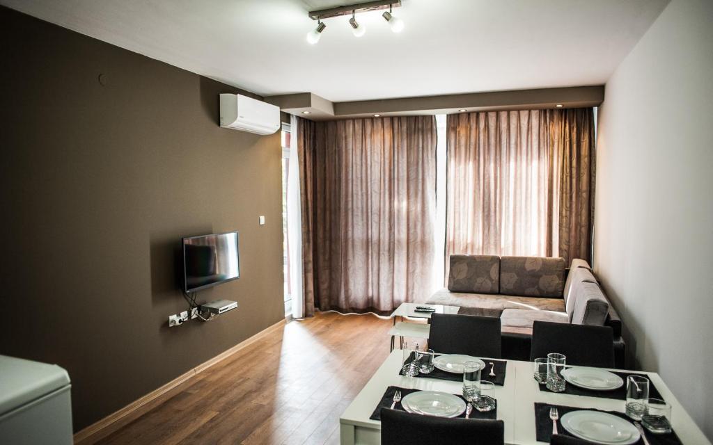 Апартамент Импириал Гардън - Хисаря