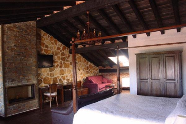 boutique hotels in mogarraz  7