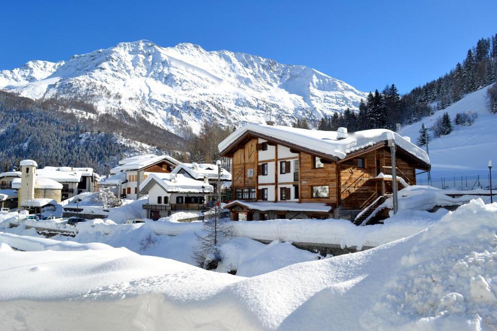 Hotel Meubl Martinet La Thuile Italy Bookingcom