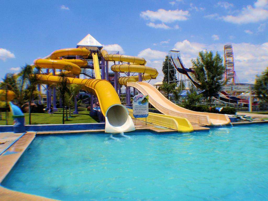 Hotel Splash Inn Silao Mexico Booking Com