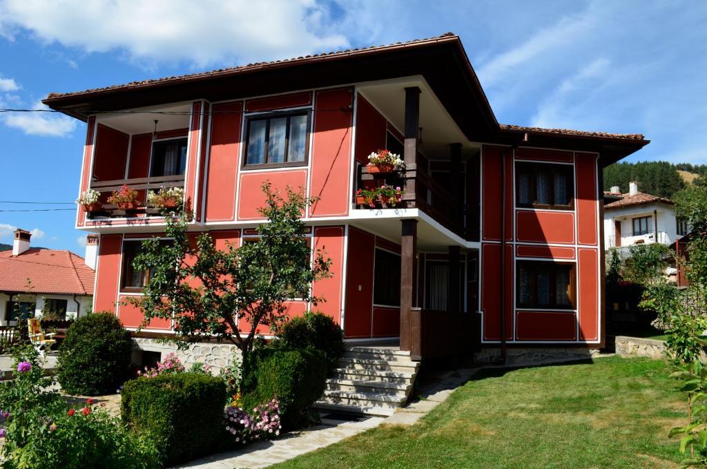 Къща за гости Лина - Копривщица