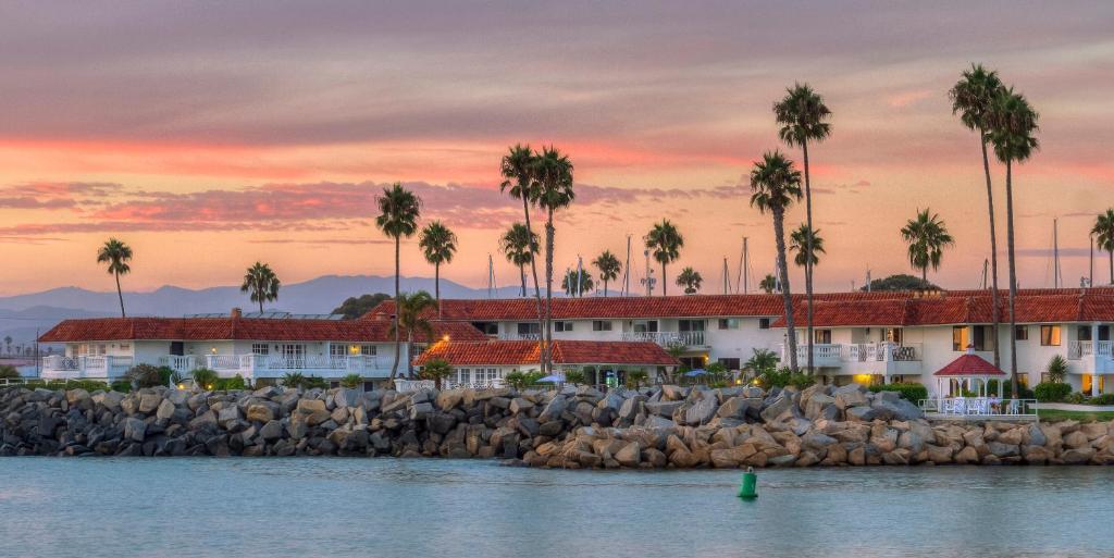 hotel oceanside marina suites ca booking com