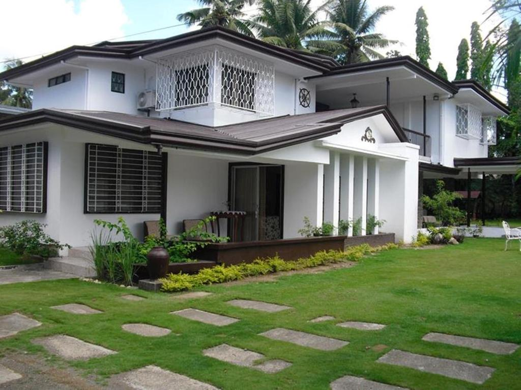 Guesthouse the big house a heritage home davao city for Big home