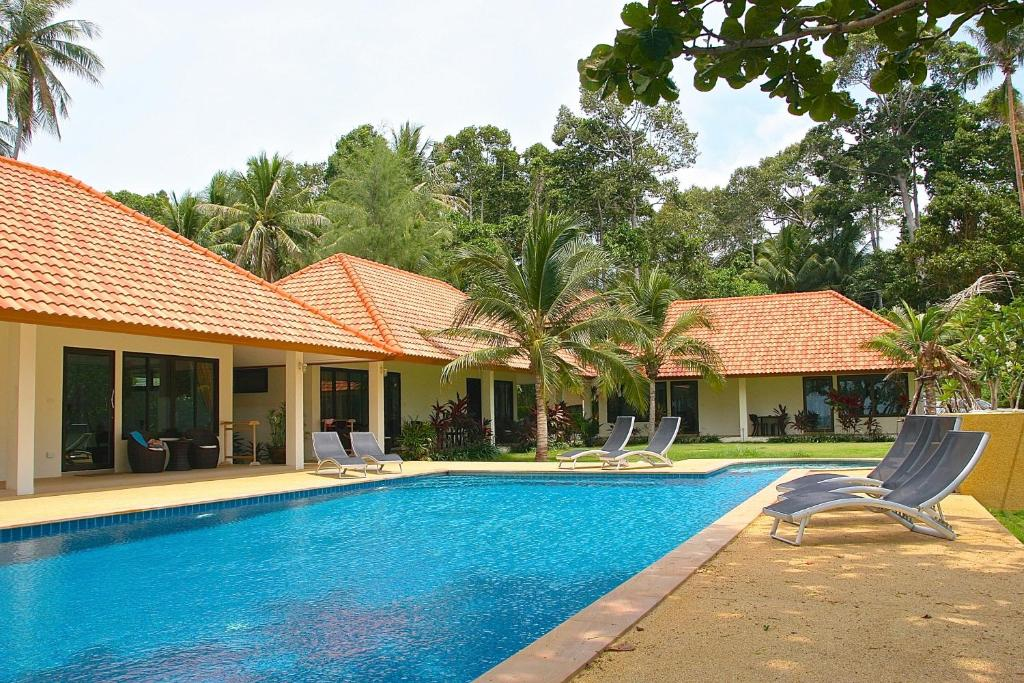 Apartments In Taling Ngam Beach Koh Samui