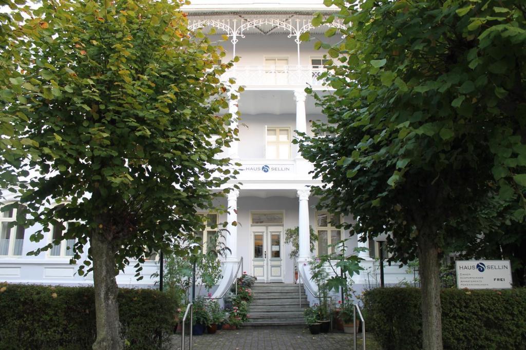 Ferienhaus haus sellin deutschland ostseebad sellin for Haus sellin