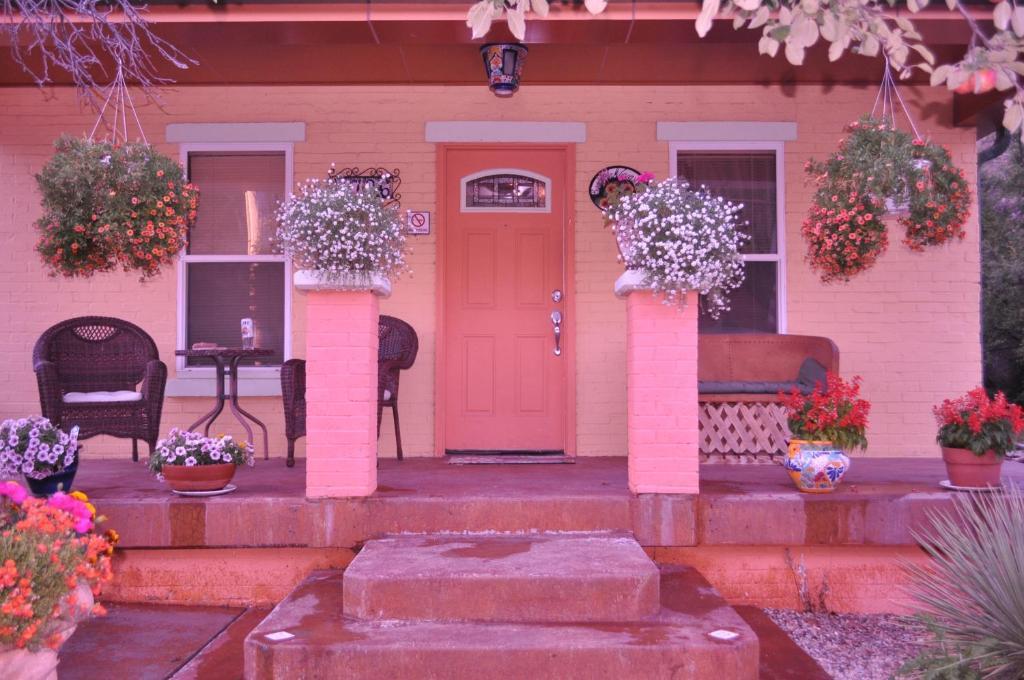 Rositas Bungalow Hot Springs Usa Booking