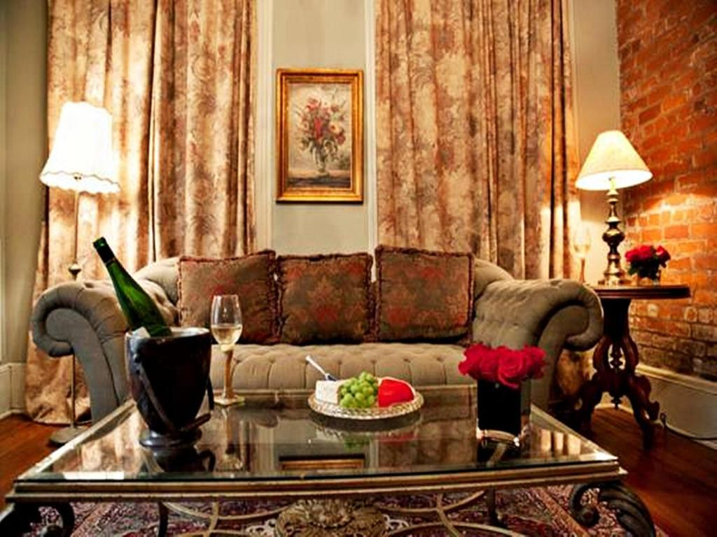 2 bedroom suites new orleans french quarter ~ piazzesi