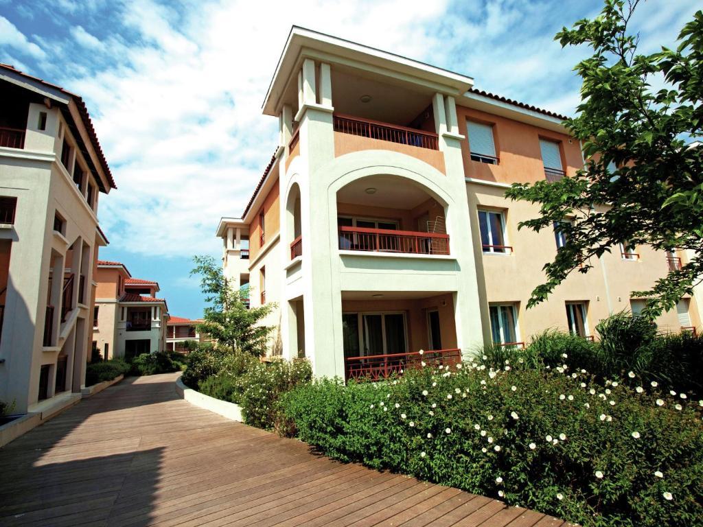 apartment resort spa cannes mandelieu 2 frankrike mandelieu la napoule. Black Bedroom Furniture Sets. Home Design Ideas