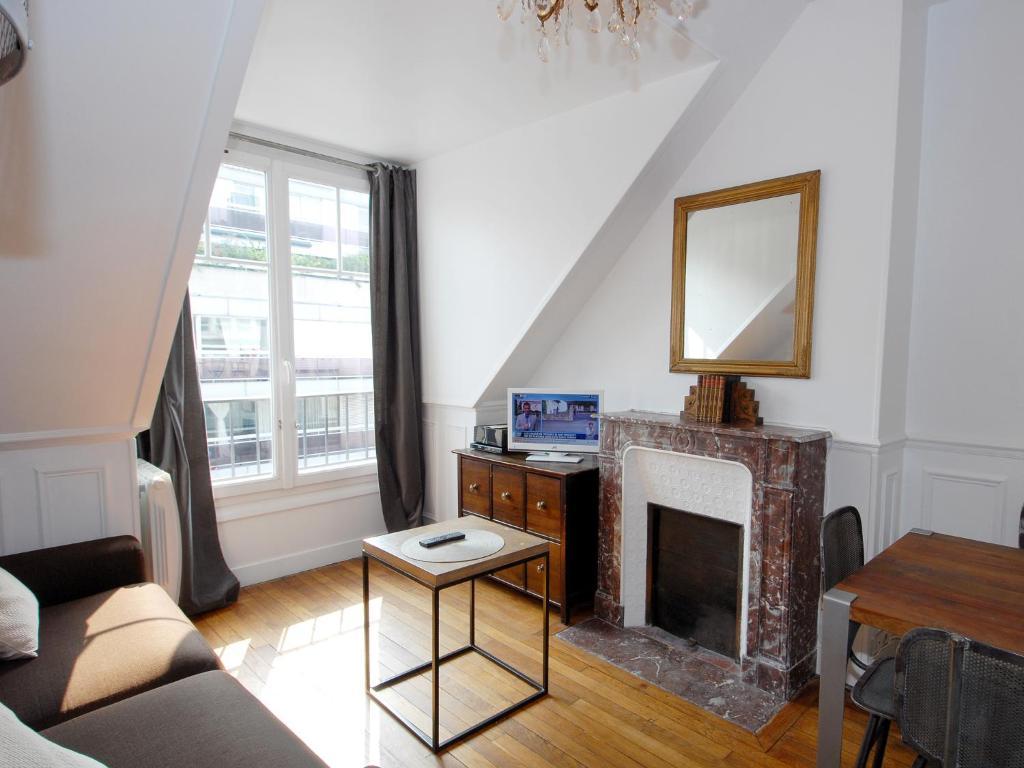 Apartment appart tourisme porte de versailles paris - Disenos de interiores ...
