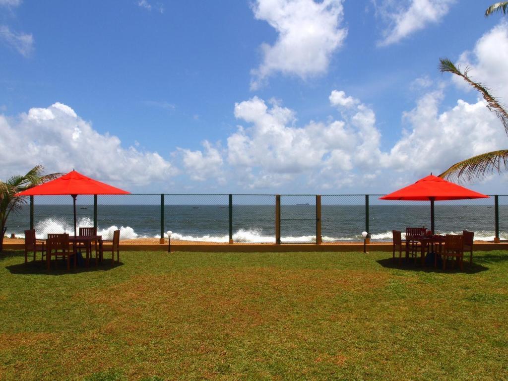 Laguna beach villa sri lanka uswetakeiyawa updated 2018 for Laguna beach house prices