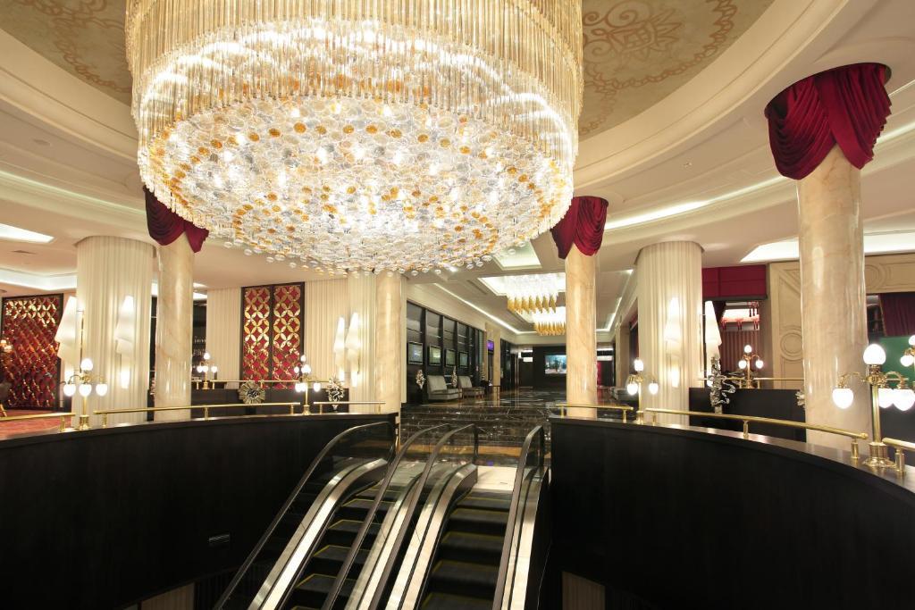 Приветсвия для ресепшн в казино golden palace казино владелец