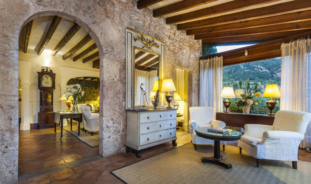 boutique hotels valldemossa  32