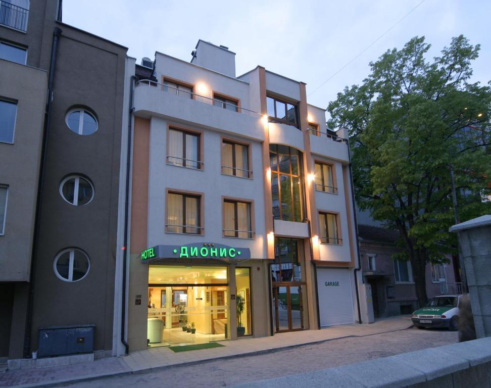 ディオニス ホテル(Dionis Hotel)