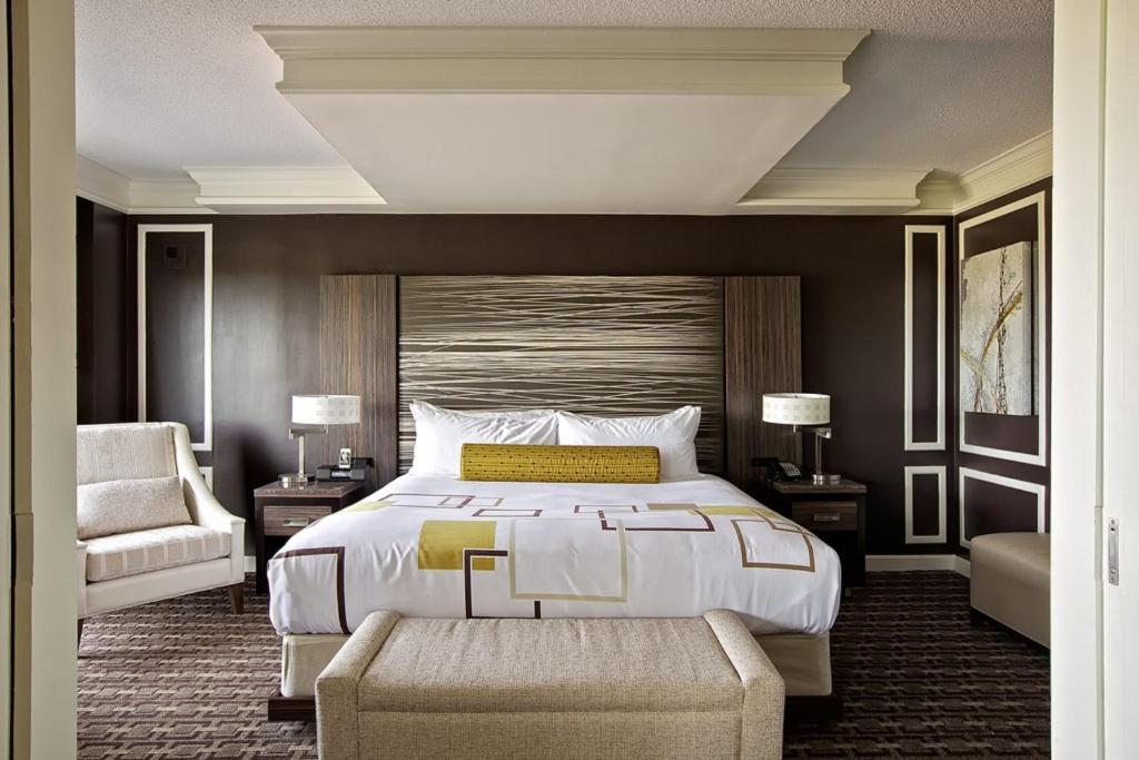 Golden Nugget Hotel  Atlantic City  NJ   Booking com. 2 Bedroom Suite Golden Nugget Atlantic City. Home Design Ideas
