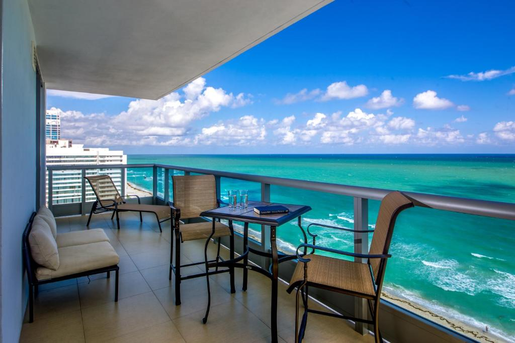 Condo Hotel Mare Azur Miami Luxury Miami Beach Fl
