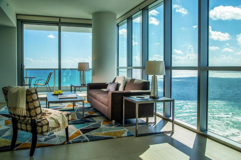 Condo Hotel Mare Azur Miami Luxury, Miami Beach, FL ...