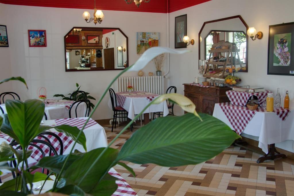 Le Chalet de la Foret, Vierzon, France - Booking.com