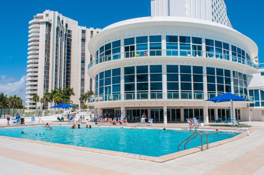 Collins Apartments by Design Suites, Miami Beach, FL ...