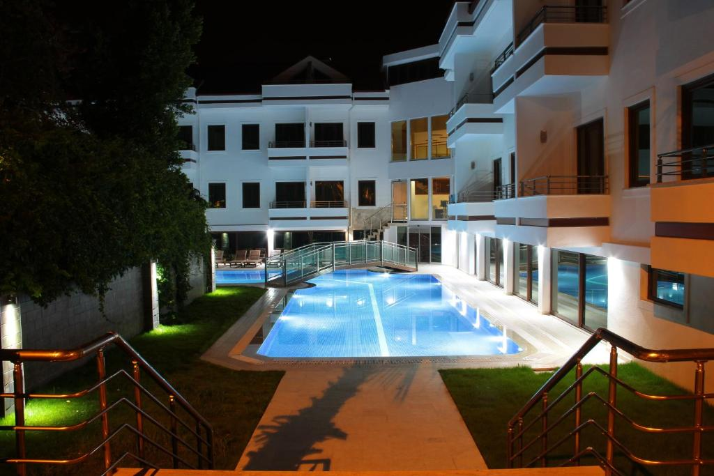 The swimming pool at or near Malahit Exclusive City Hotel