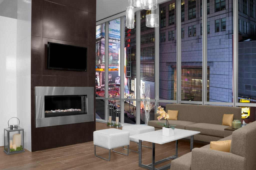 gallery image of this property - Hilton Garden Inn Times Square Central