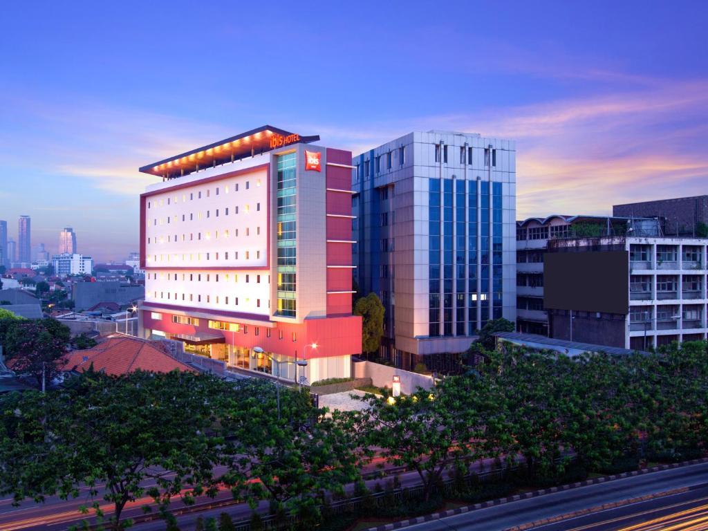 hotel ibis jakarta senen indonesia booking com rh booking com